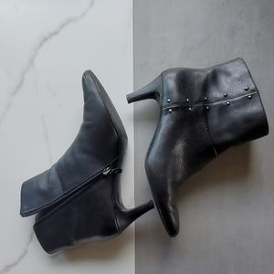 Tahari Black Leather Booties Size 9.5